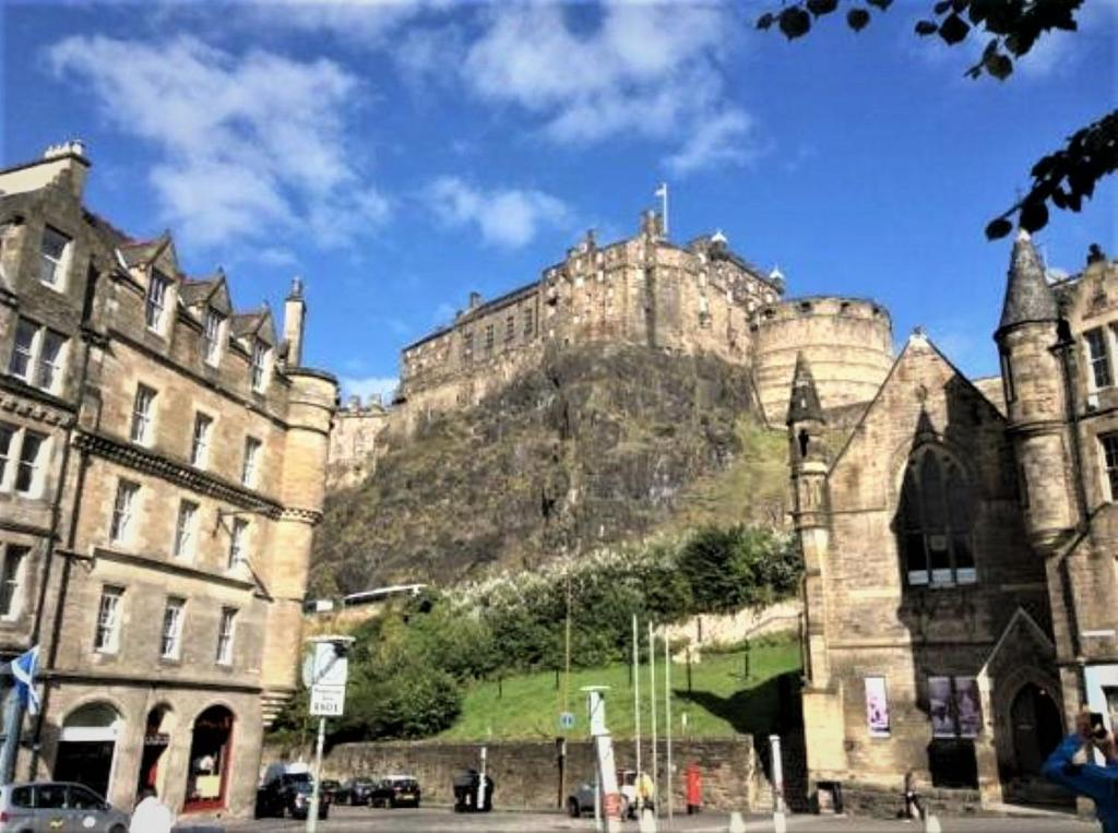 #1 edinburgh castle