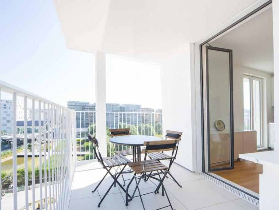 Lovely Apartment Parking Terrasse Paris 17 France Booking Com