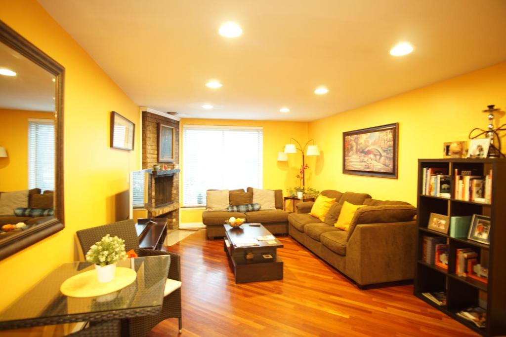 Apartment Cozy 2 Bed 2 Bath In Lincoln Park Chicago Il Booking Com