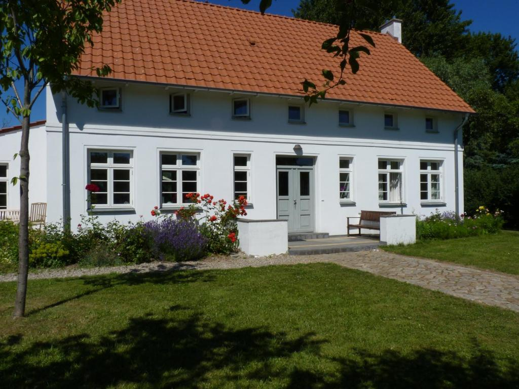 traumhaftes luxus ferienhaus deutschland warnkenhagen. Black Bedroom Furniture Sets. Home Design Ideas