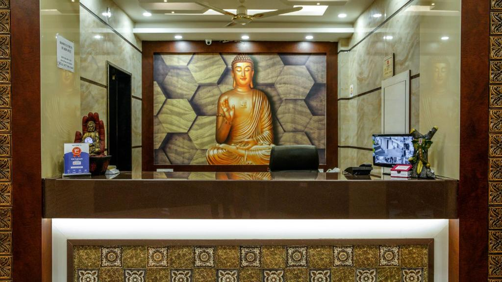 The lobby or reception area at Hotel Raghunath