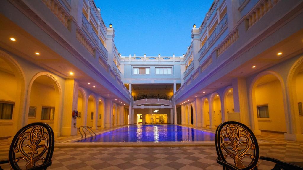 The swimming pool at or close to IL Mercato Hotel & Spa