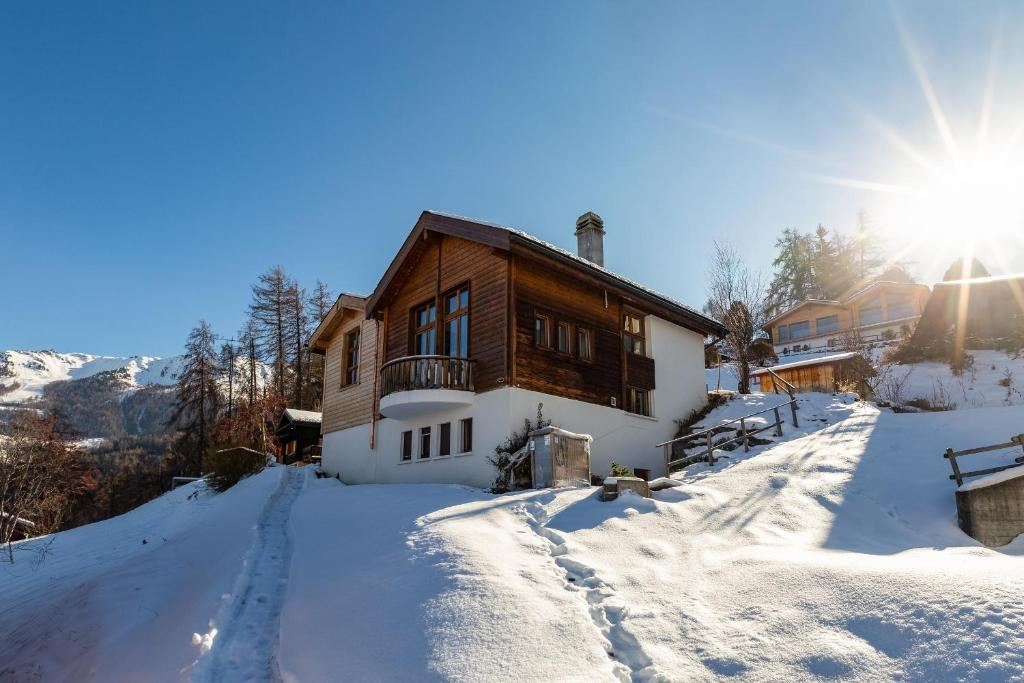 Chalet Lupin during the winter