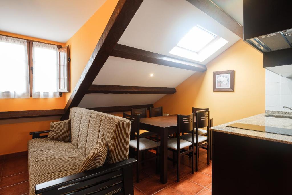 Apartamentos de Herminia, Manzaneda, Spain - Booking.com