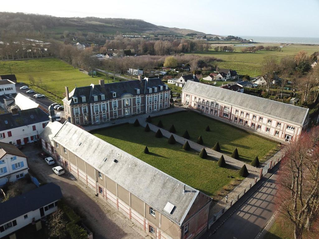 Vue panoramique sur l'établissement Le Chateau de Chantereine