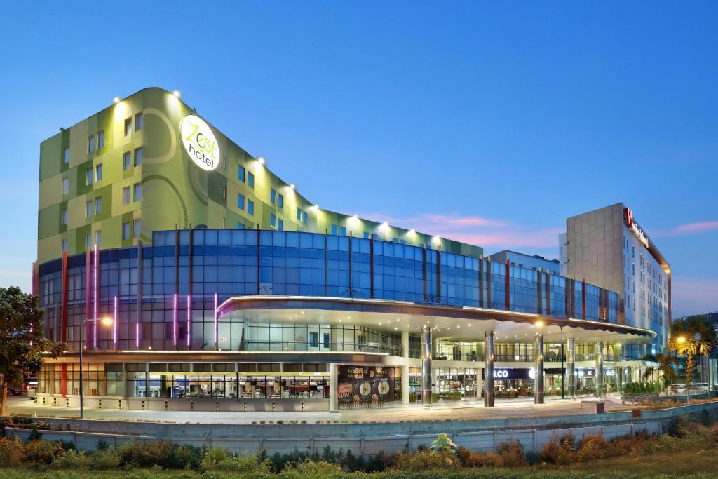 Zest Hotel Airport Jakarta Tangerang Indonesia Bookingcom