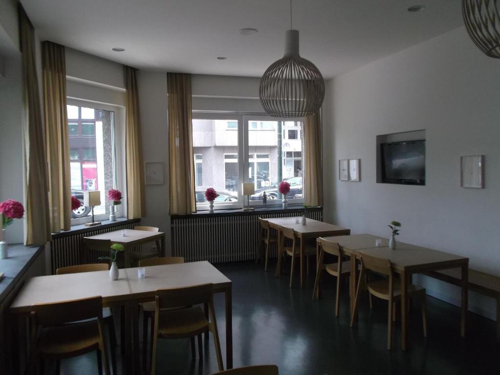 ART Hotel Ufer (Deutschland Düsseldorf) - Booking.com
