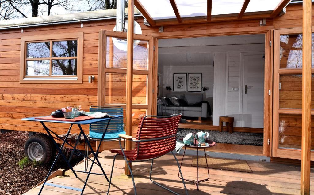 ferienwohnung tiny house dreischwesternherz deutschland. Black Bedroom Furniture Sets. Home Design Ideas
