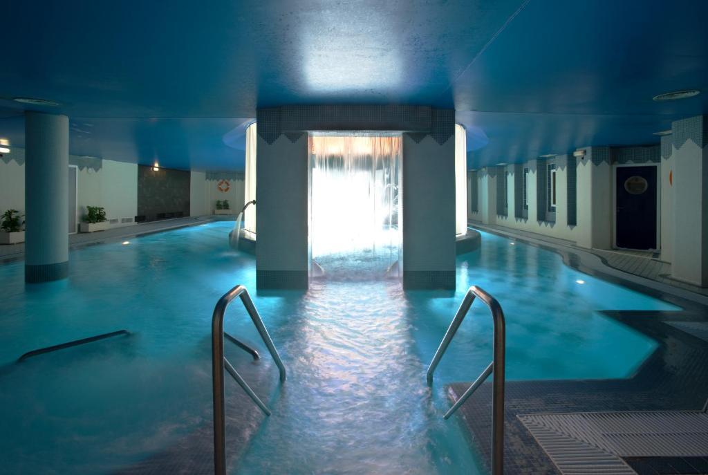 Piscina a Hotel SPA TermaEuropa Balneario Arnedillo o a prop