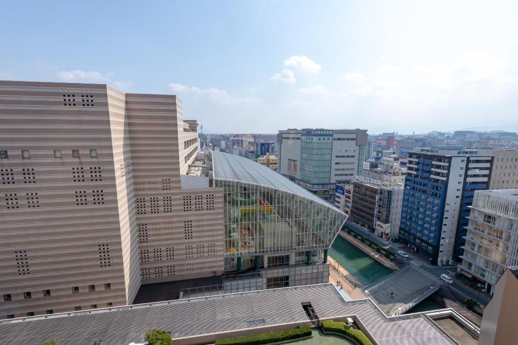 ポイント1.博多座やアジア美術館もある!駅直結の立地