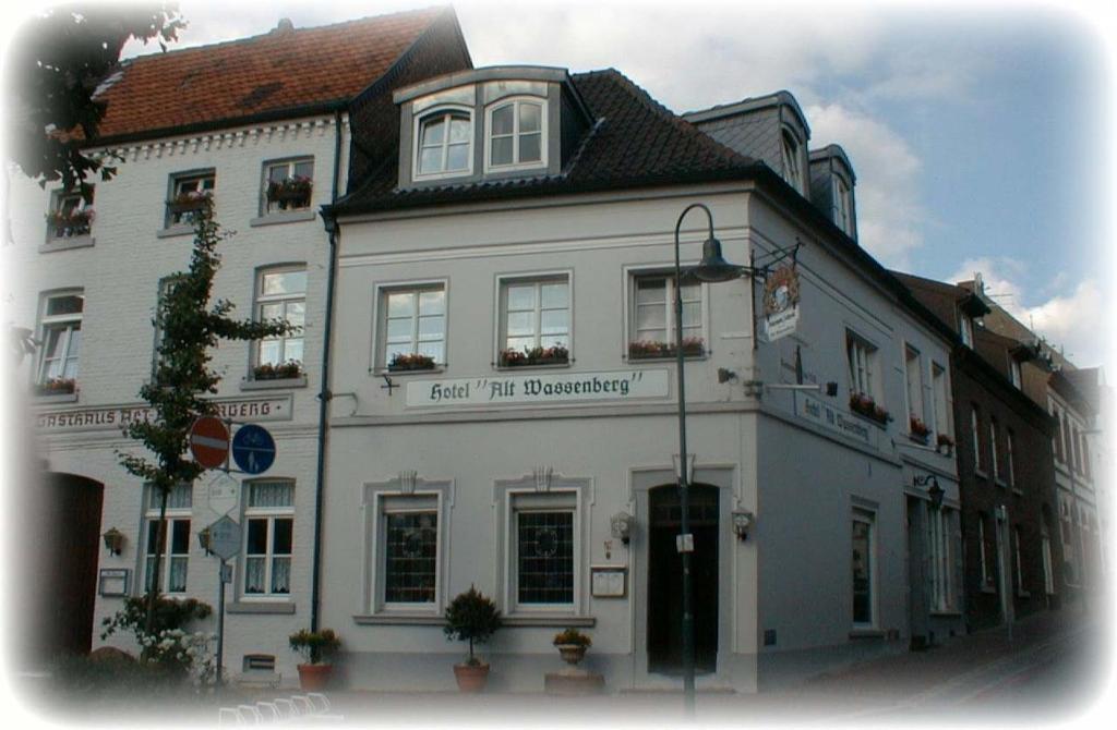 Hotel Alt Wassenberg, Germany - Booking.com