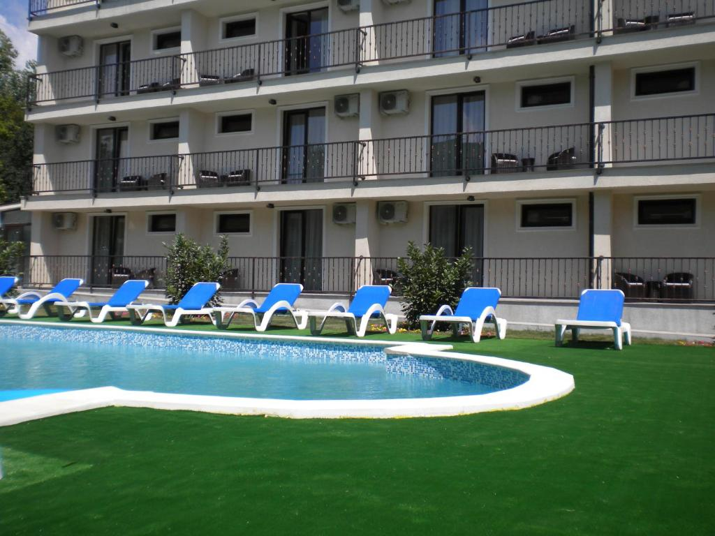 The swimming pool at or near Hotel Mondial - Eforie Nord