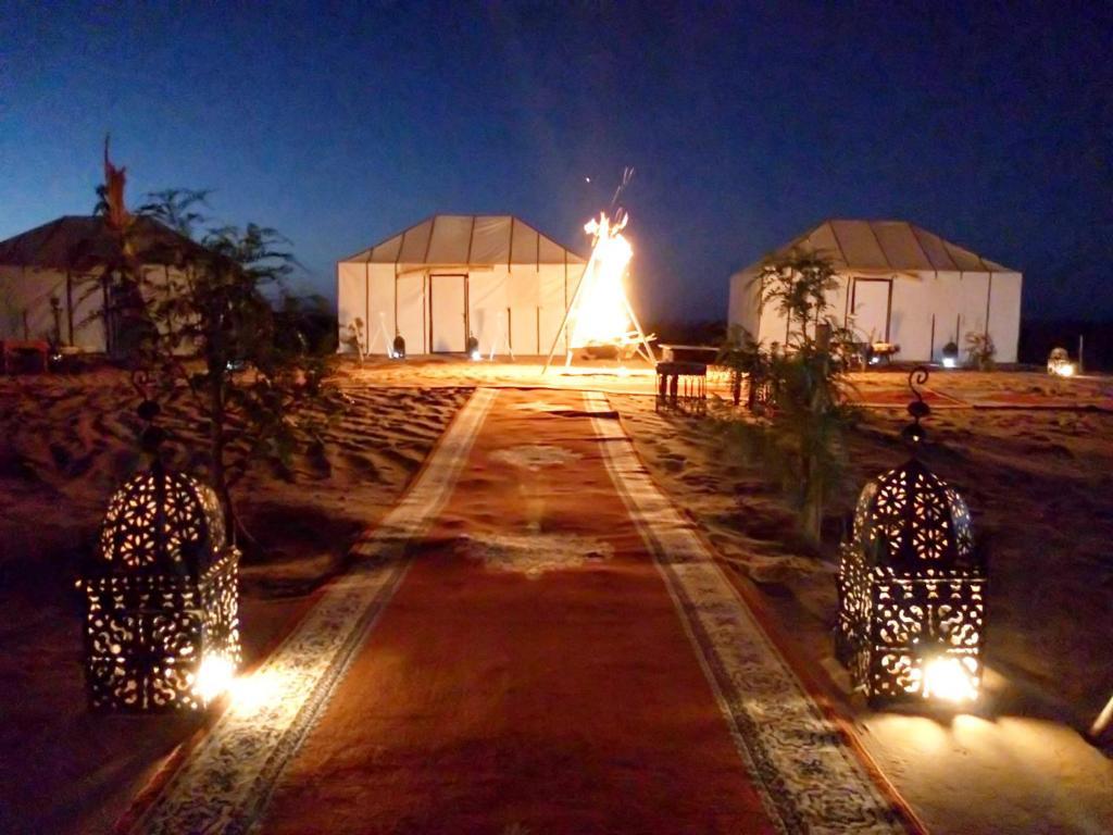 Het gebouw waarin the luxury tent zich bevindt