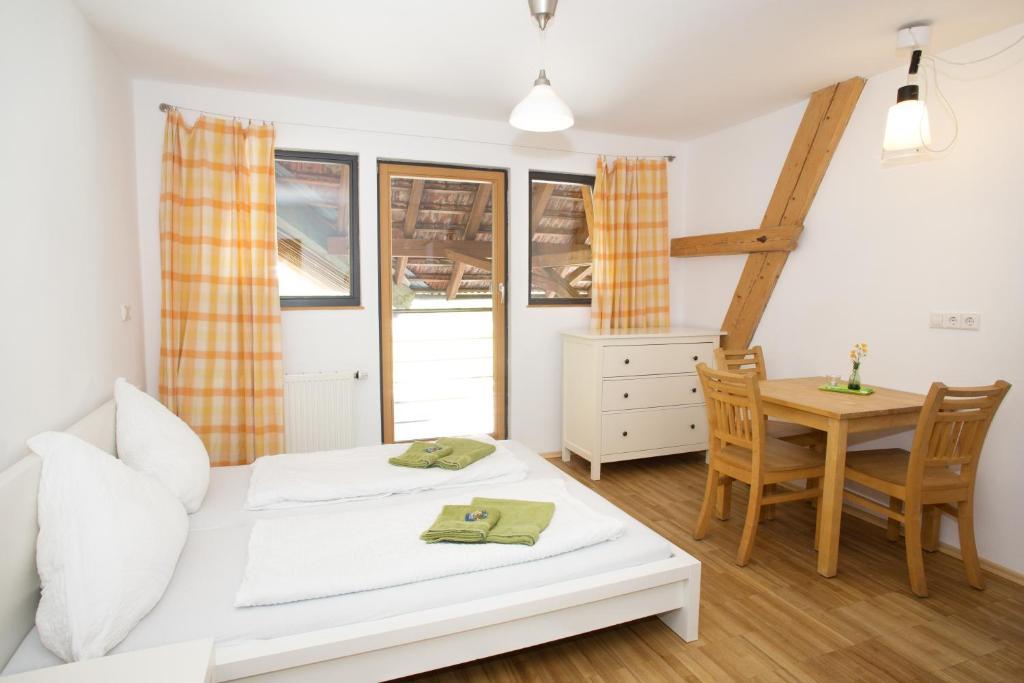 Mini Kühlschrank Für Jugendzimmer : Bauernhof gut hügle jugendzimmer deutschland ravensburg