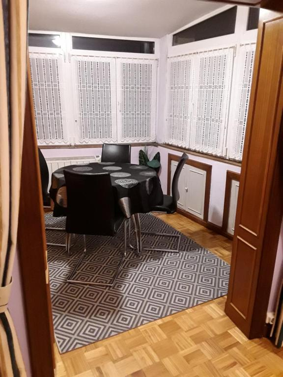 Apartamento Centro Gijón, Spain - Booking.com
