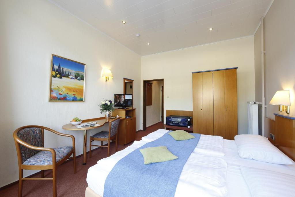 hotel karl noss, cochem, germany - booking