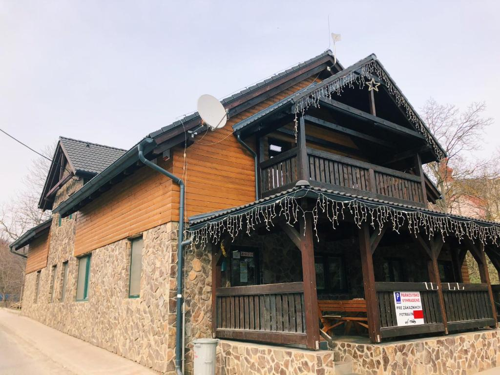 6715cb69b Cozy cottage house Drienica, Sabinov – aktualizované ceny na rok 2019
