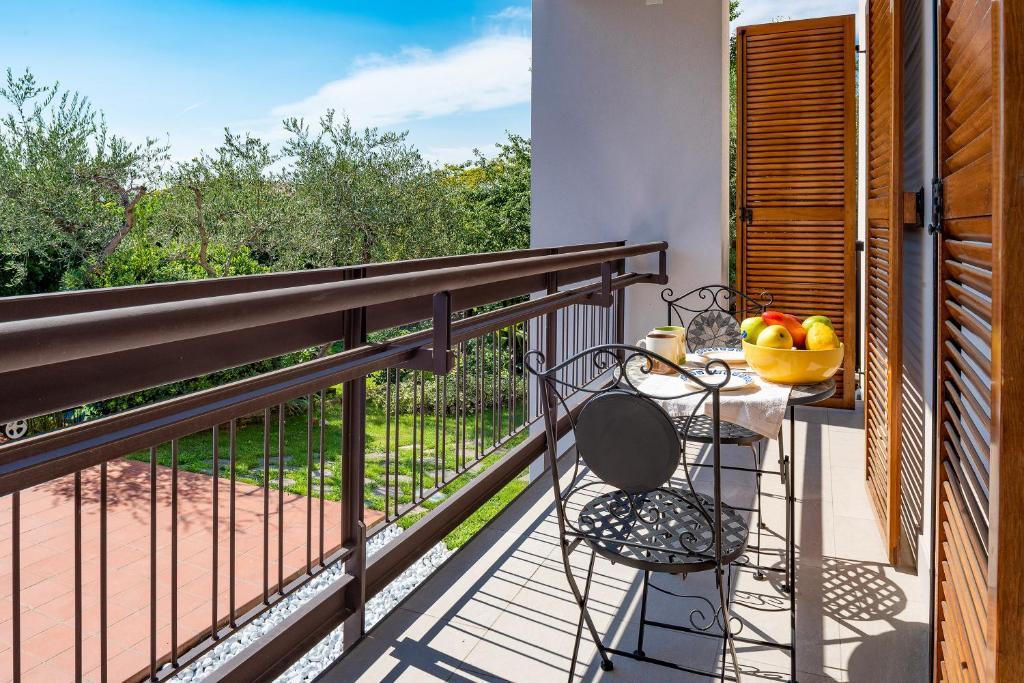 A balcony or terrace at appartamento claire