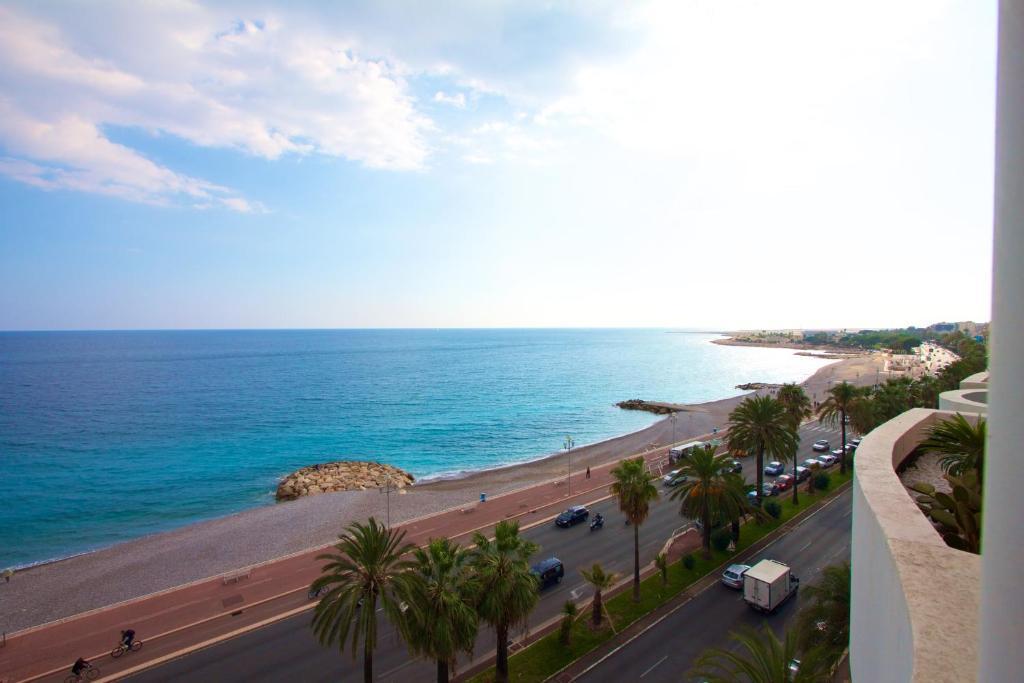 Appartement 2 chambres terrasse face à la Mer Promenade des ...