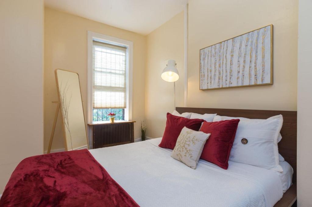 Apartment Lavish 3 Bedroom Apt in Williamsburg!!, Brooklyn