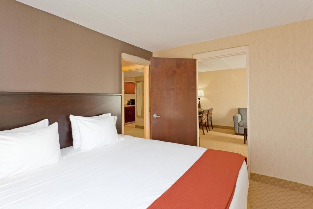 Holiday Inn Express Hotel Suites Dover Dover Updated 2019 Prices