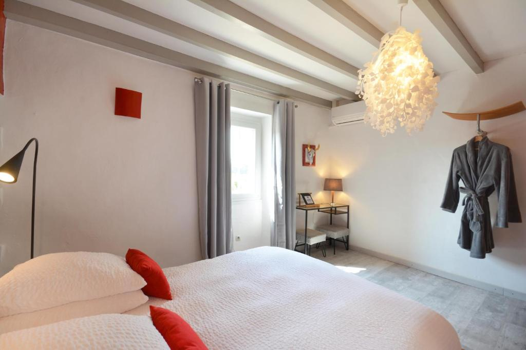 Bed & Breakfast Chambres d\'Hôtes Mas Julien (Frankreich Orange ...