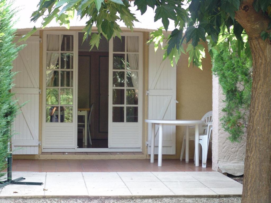Appartement Les Jardins de la Mer (France Grimaud) - Booking.com