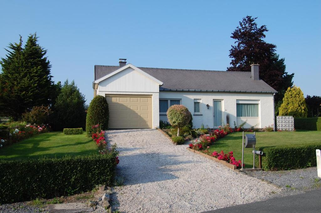 Villa la maison du marais belgique tournai for Garage du marais sucy