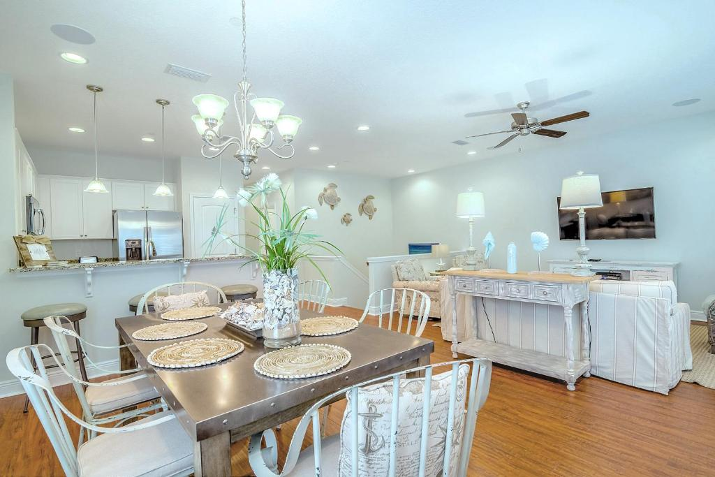 Vacation Home Majestic Sands By Realjoy Vacations Destin Fl