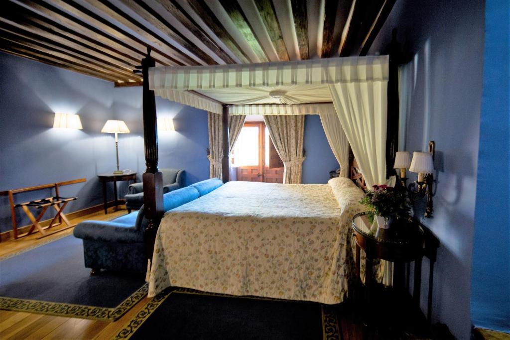 Hotel Antiguo Convento de Boadilla (Espanha Madrid ...