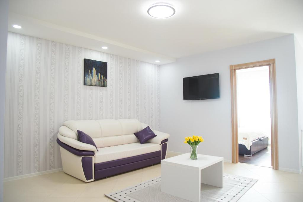 A seating area at VIP Minsk Apartment, 2 rooms for 4 guests