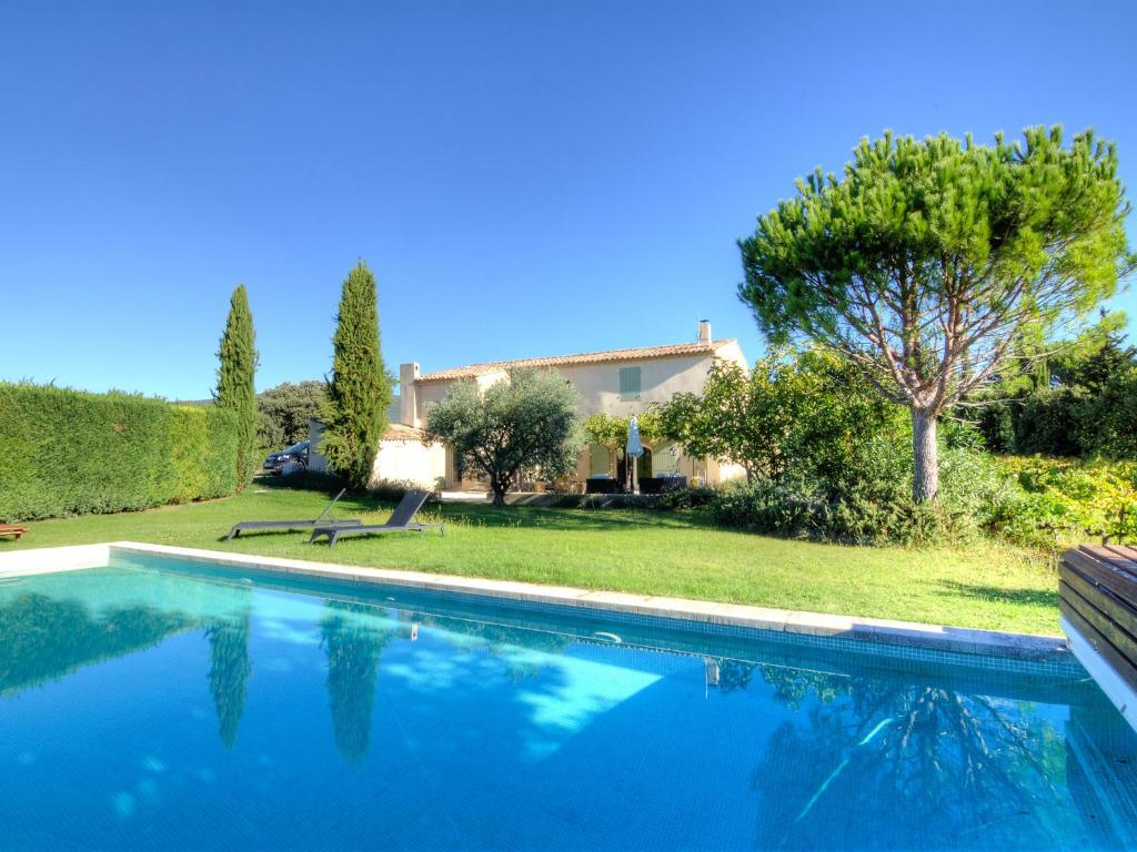 The swimming pool at or near Holiday Home L'Oustaou dei Figo