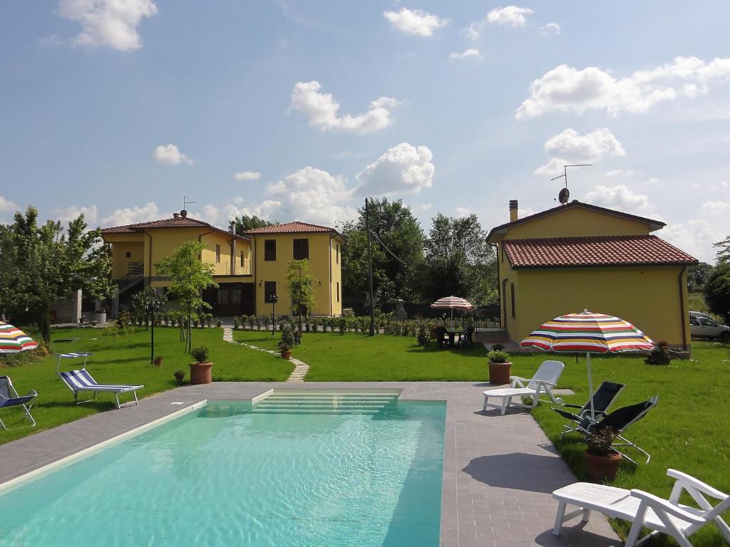 The swimming pool at or near Locazione turistica Giuseppe.1