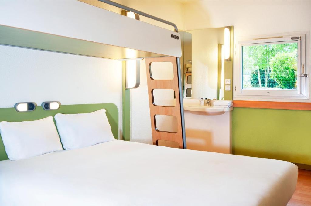Hotel ibis budget Lyon Sud St Genis Laval, Saint-Genis-Laval, France ...