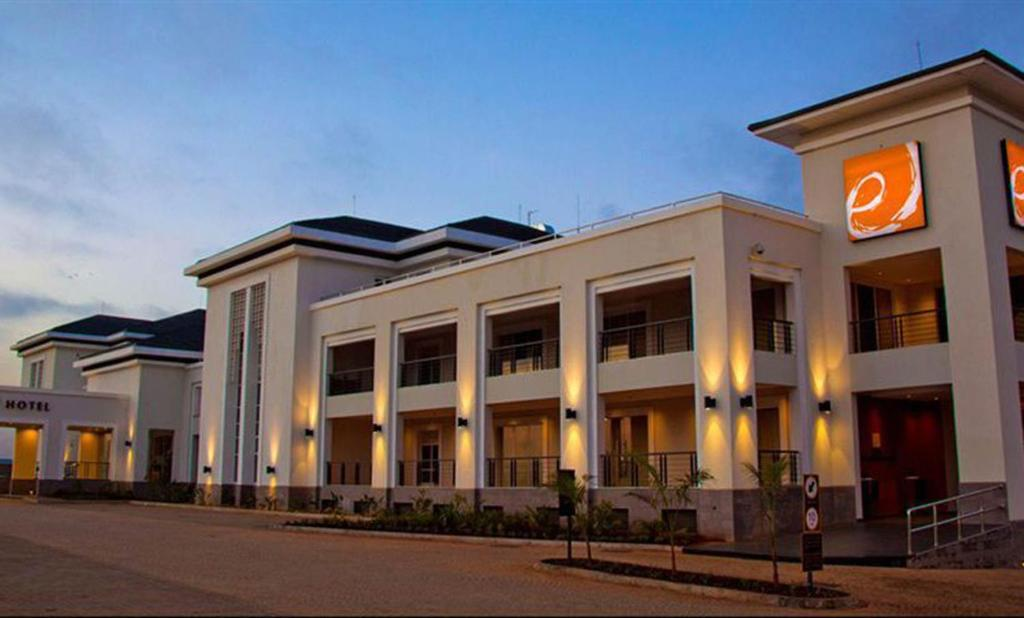 Enjoy You Visit Wail Staying At The Wonderful Eka Hotel Superior