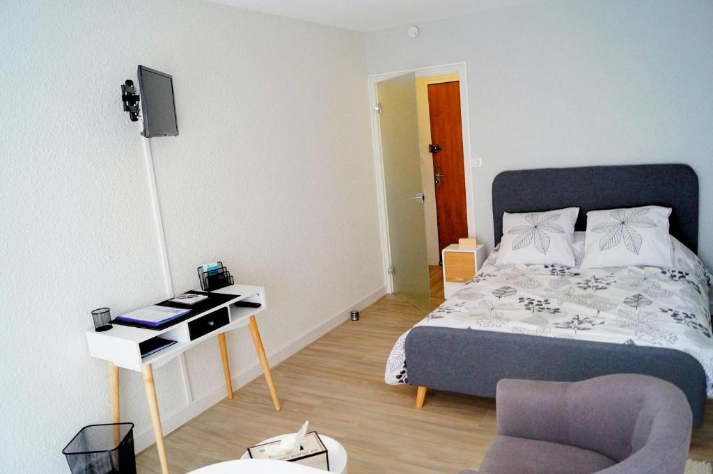 Apartments In Veyrinas Limousin