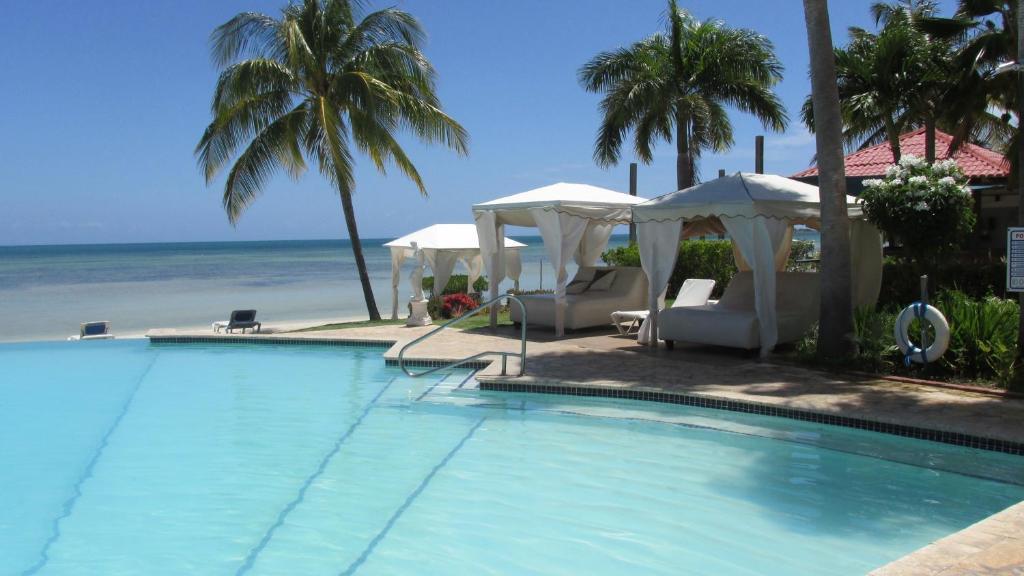 Grand bahia ocean hotel el combate puerto rico for Villas koralina combate cabo rojo