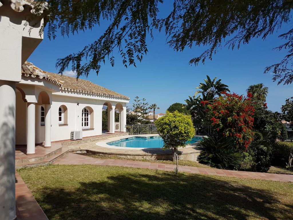 437ecef2c Super villa with private pool and good location, Fuengirola ...