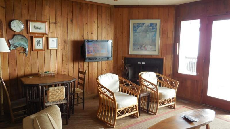 Vacation Home Wooden Shoe Home Pawleys Island Sc Bookingcom