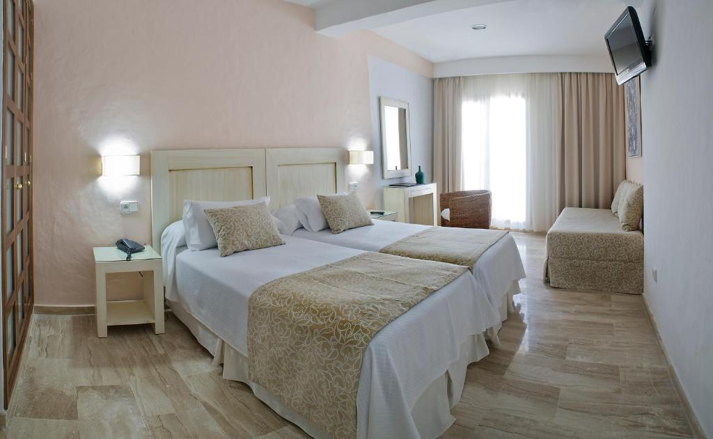 boutique hotels in zahara de los atunes  31