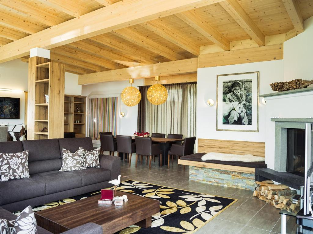 AlpenParks Residence, Zell am See, Austria - Booking.com