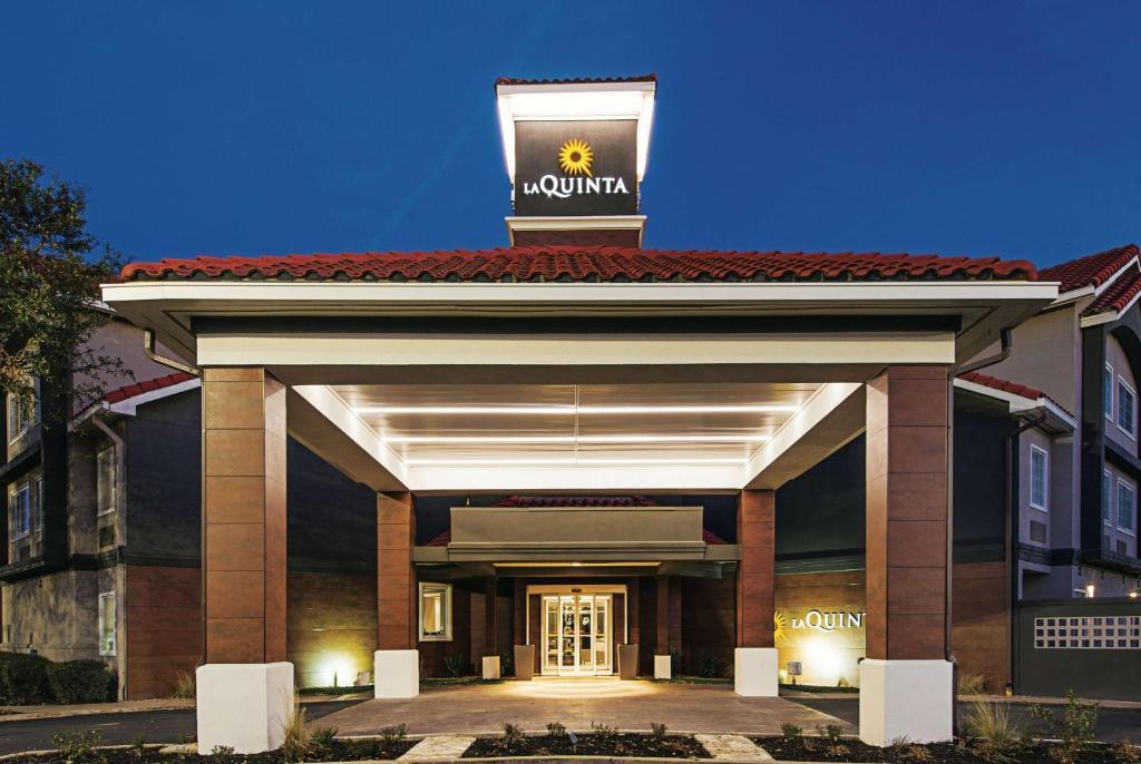 La Quinta Inn & Suites Austin, TX - Booking com