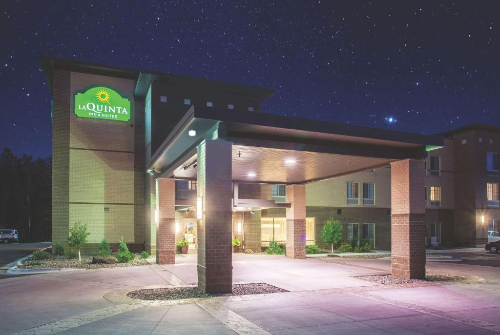 la quinta inn \u0026 suites duluth, mn booking comgallery image of this property