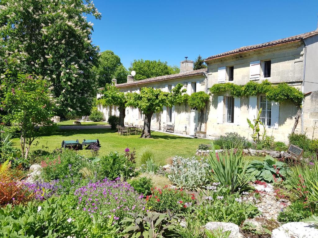 Apartments In Saint-louis-de-montferrand Aquitaine