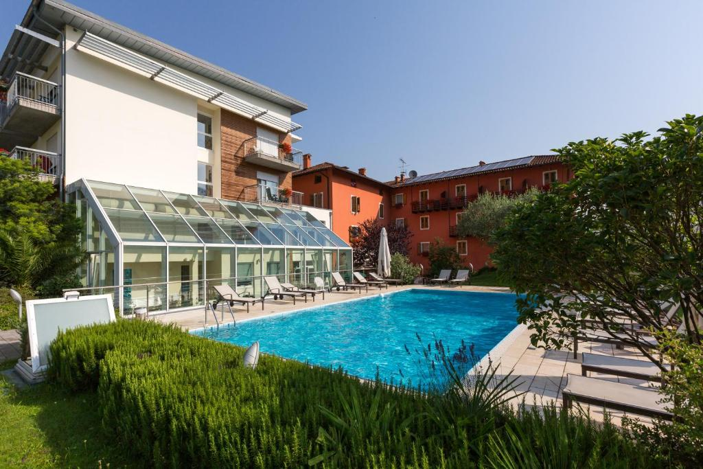 The swimming pool at or near Hotel Al Maso