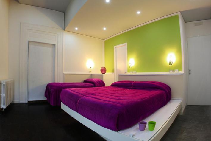 Cama o camas de una habitación en The Fresh Glamour Accommodation