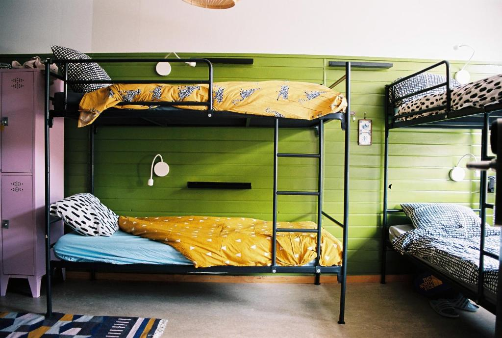 A bunk bed or bunk beds in a room at Hostel Ani&Haakien