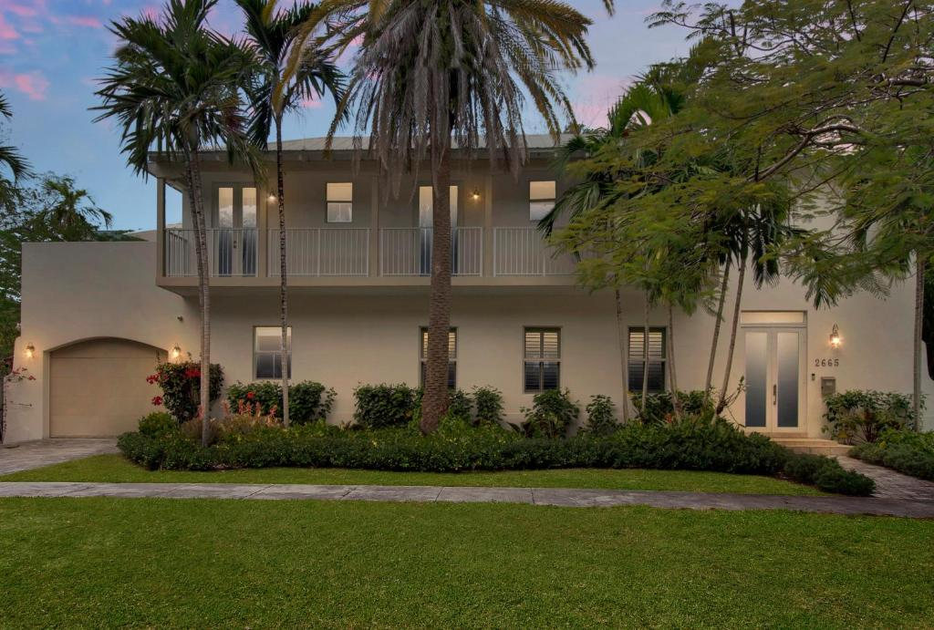 Beautiful Tropical Home in Coconut Grove, Miami – Precios ...