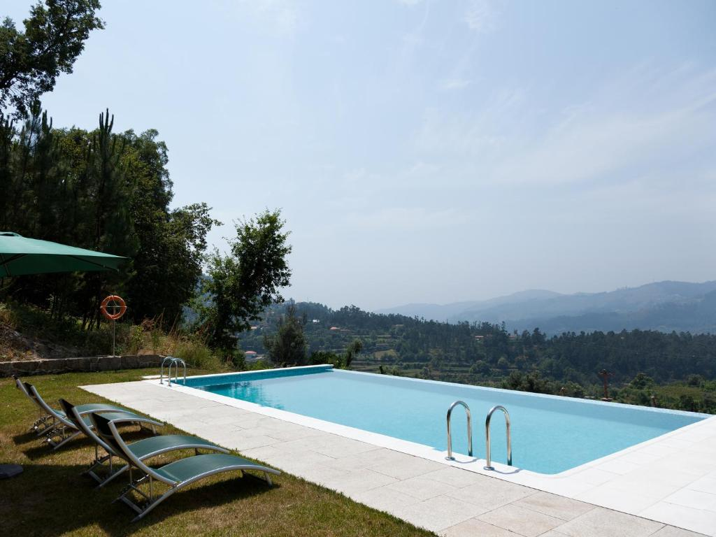 The swimming pool at or near Quinta do Bárrio