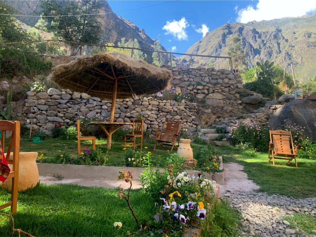 Ein Garten an der Unterkunft Inka Khawarina Tambo Lodge